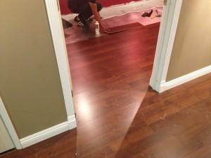 床貼りはレコーディングブースへ