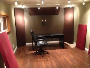 制作環境を整え始める第一歩、机の設置です